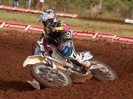 Gabriel Carbonera, líder das categorias Intermediária 450cc e VX1