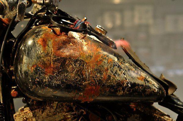 Detalhe da Harley-Davidson que atravessou o Oceano Pacífico