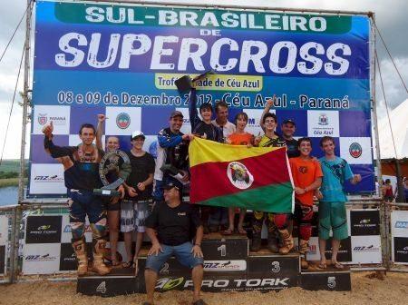Os gaúchos foram até o Paraná para fazer a festa no supercross