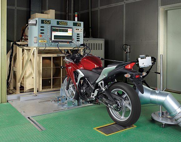 Equipamentos de última geração para desenvolvimento de novas tecnologias para motos