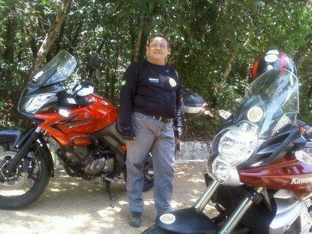 Ricardo Quideré, meu companheiro de viagens e um grande conhecedor das histórias da região será meu guia nesta saga de contar o aberto e o escondido do sertão central do Ceará