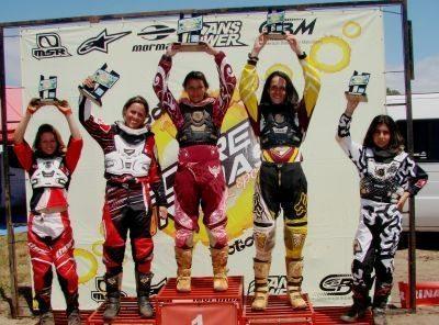 Pódio feminino na 2ª etapa da Copa Verão de MX