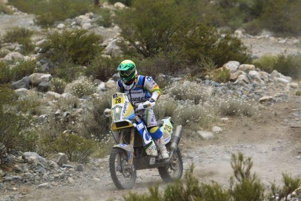 A oitava etapa não foi boa para Jean Azevedo no Rally Dakar 2013