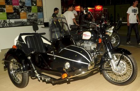Modelo com side-car exposto no Salão Bike Show