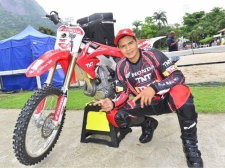 Kiko Louco ficou com a 3ª colocação nos classificatórios para a final da Copa Brasil de Motocross Freestyle, com Joaninha em 5º