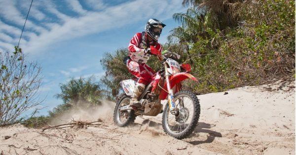 Este terceiro dia de competição foi o mais longo, com muita areia fofa e pedras