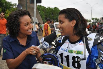 """Cariline Silva, nordestina """"cabra macho sim senhor!"""" no Piocerá 2013"""