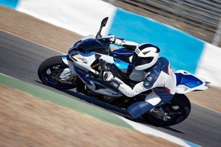 A superesportiva S 1000 RR ajudou a BMW a bater seu recorde de vendas em 2012