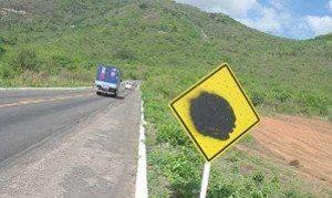 Vandalismo é comum em estradas