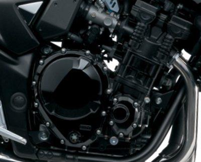 Motor da Suzuki leva um litro a mais de óleo e tem 50 cm³ a mais em seu volume: projeto para maior durabilidade