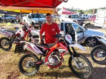 Noé Júnior segue os passos do pai no Mineiro de Enduro de Regularidade