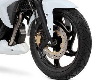 Next 250-freio tem pinça de dois pistões e flexível reforçado com malha de aço