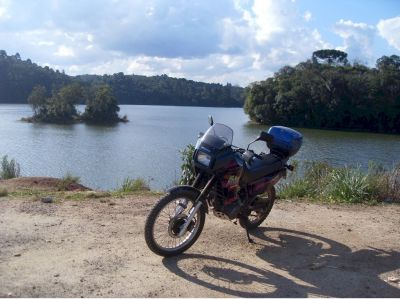 Chegando a lugares onde só se vai de moto