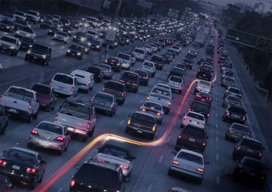 O hiperativo ao pilotar ou dirigir transforma-se em um perigo ambulante