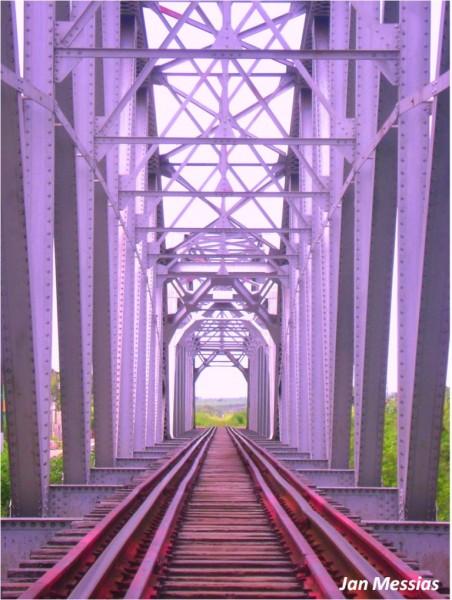 A ponte de ferro marca de Iguatu, lugar por onde o pequeno Eleazar deixou sua terra