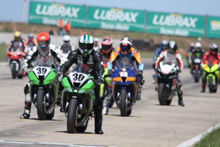 O Moto 100GP foi homologado pela CBM como único campeonato brasileiro de motovelocidade