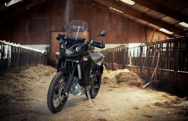 Motocicleta movida a diesel, marca Track, modelo T-800 CDI