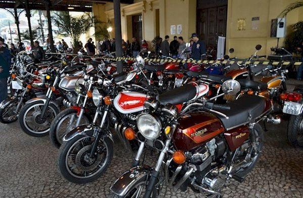 Flagrante do 1º Valongo Moto Classica, realizado em 2012