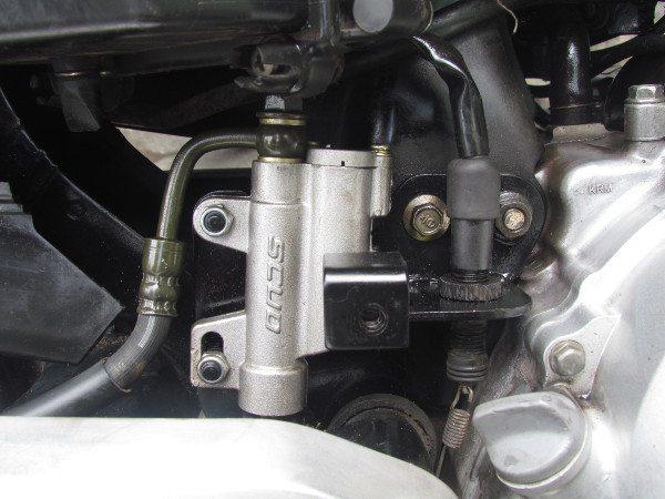 Cilindro do freio toma o lugar da caixa de ferramentas