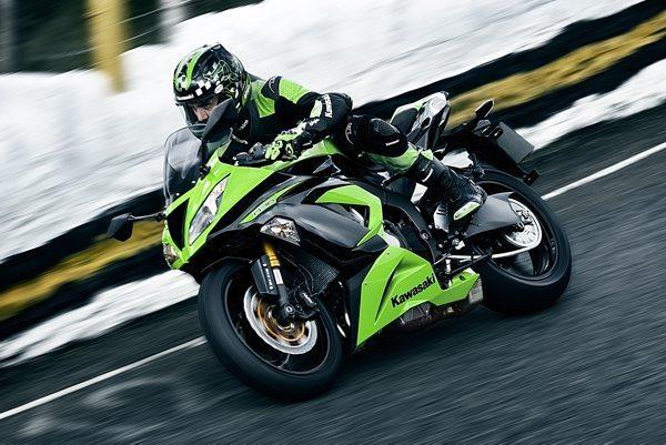 Ninja ZX6 R 636 Motor mais potente com maior cilindrada está disponível nas lojas da Kawasaki