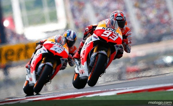 Marc Márquez tornou-se no mais jovem vencedor de sempre de uma corrida de MotoGP™ ao sair triunfante do primeiro Red Bull Grande Prémio das Américas, à frente do companheiro de equipa da Repsol Honda Team, Dani Pedrosa. Jorge Lorenzo completou o pódio para a Yamaha Factory Racing.