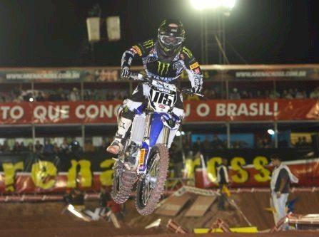 Carlos Campano venceu as duas baterias da principal categoria do Arena Cross em Jundiaí