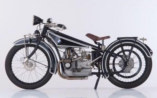 BMW R32 1923, a primeira a sair da linha de montagem com a marca BMW