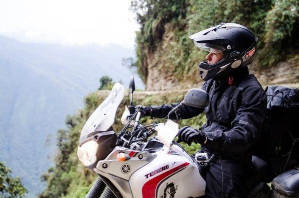 Não importa o tamanho da moto e sim o espírito aventureiro - bv Alexandre J. Vicente