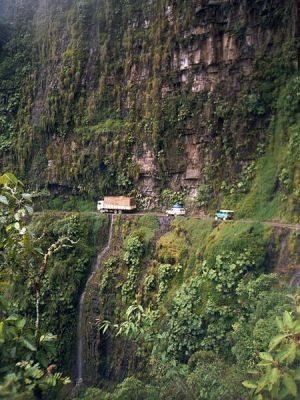 O perigo transformou-se no maior atrativo turístico - by Wikipédia