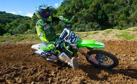 Duda Parise defende a liderança de duas categorias no Gaúcho de Motocross