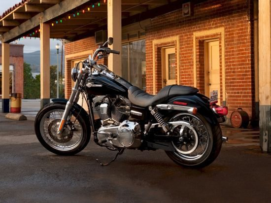 Olha a chance de pilotar uma Harley, sem ter que comprar uma