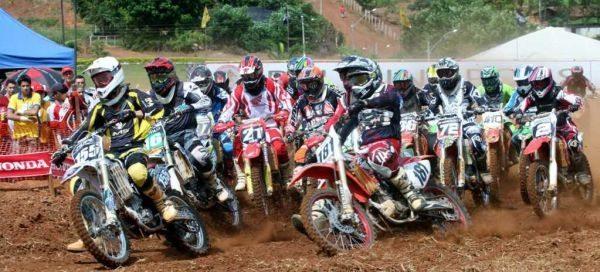 Abertura do Goiano de Motocross em Palmitópolis