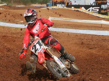 Wellington Garcia foi destaque na abertura do Goiano de Motocross