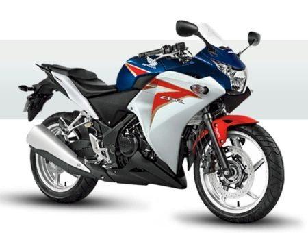 A Alex Barros Racing vai desenvolver a Honda CBR 250R para as pistas