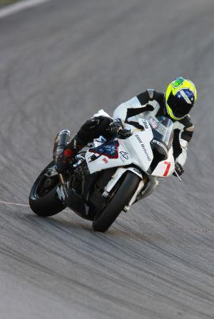 Alex Barros é o pole na categoria principal do Moto 1000 GP