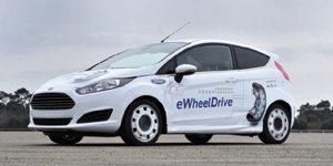 Fiesta E-Wheel Drive mostra ótima dinâmica, pois além de estabilizá-la, as duas impulsões permitem sua distribuição seletiva às rodas