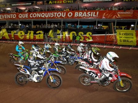 Largada da categoria MX2 no Arena Cross 2013