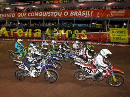 Largada da categoria MX2 no Arena Cross 2013