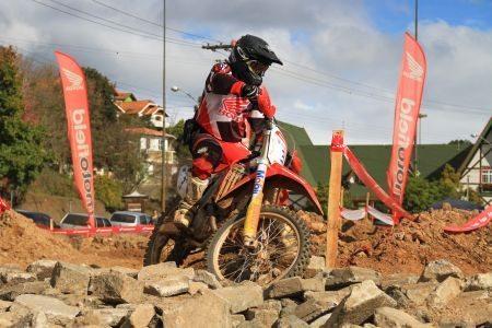 Nielsen Bueno, vencedor da categoria Elite na etapa de Campos do Jordão (SP) da Copa EFX Honda ASW
