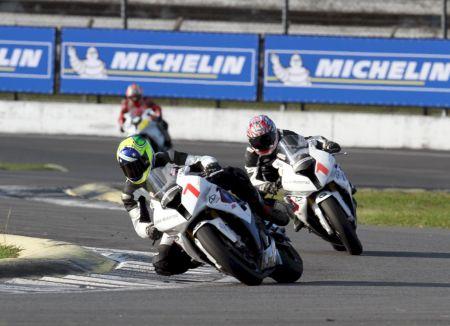 Alexandre Barros foi o mais rápido nos primeiros treinos livres em Curitiba