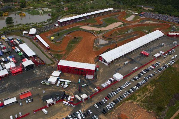 Mais de 20 mil pessoas compareceram ao Honda GP Brasil 2012, em Penha (SC), no Beto Carrero World