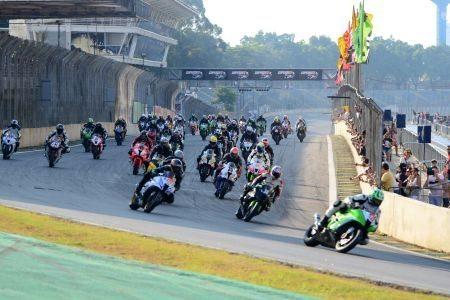 3ª etapa do SuperBike Series Brasil começou hoje em Interlagos