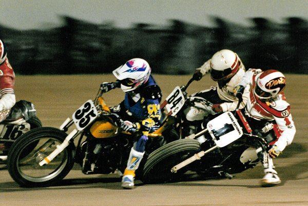 Scott Parker, piloto da placa número 1 da Harley-Davidson teve o maior número de vitórias no esporte, até hoje