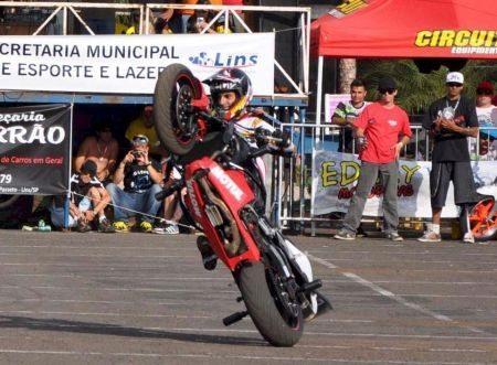 Lucas Jorge, o Luquinha em uma das manobras que lhe garantiram o título da 1ª etapa do Brasileiro de Stunt