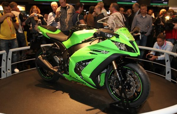 Lançamento da Kawasaki ZX10 R foi um sucesso em 2011