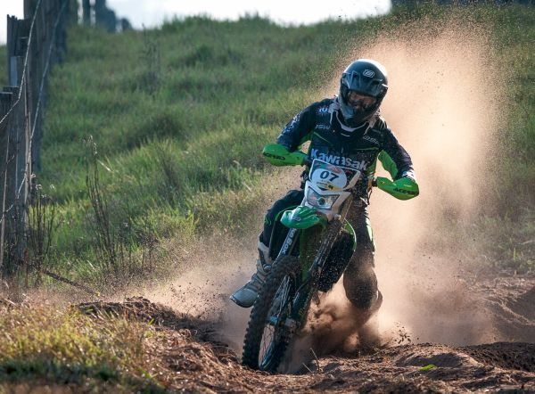 Júlio César Zavatti, campeão do Rally Cuesta Off-Road entre as motos; Ramon Sacilotti ficou com o segundo lugar