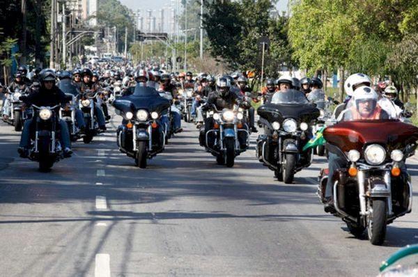Celebração dos 110 anos da Harley-Davidson reuniu proprietários e aficcionados da marca em São Paulo