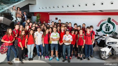 Pilotos Honda visitam Instituto de Segurança Honda em Barcelona