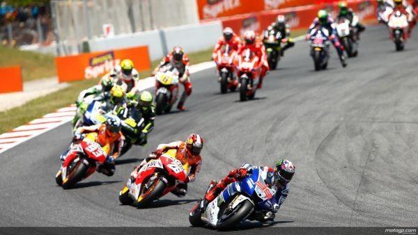 Jorge Lorenzo vence o Grande Prêmio Catalunha, superando Dani Pedrosa e Marc Marquez