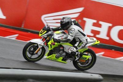 Maurício Venhoven, o Sagui vence na Copa Honda CB 300R